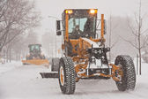 Autoscreper at work in winter — Stock Photo