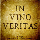 In vino veritas sign on a stone textured bacground and S.P.Q.R. innitials — Stock Photo