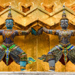 Detail of statues in Grand palace temple, Bangkok — Stock Photo
