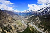 Himalayas mountains river valley with white peaks — Stock Photo