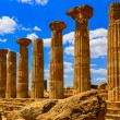 Stone columns of temple ruins in Agrigento, Sicily — Stock Photo