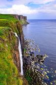 Kilt rock coastline cliff in Scottish highlands — Stock Photo