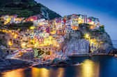Scenic night view of colorful village Manarola in Cinque Terre — Stock Photo