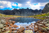 Scenic view of a mountain lake in High Tatras, Slovakia — Stock Photo
