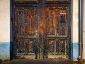 Detalhe do velho resistido pela porta de madeira — Foto Stock