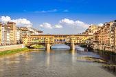 Scenic view of Ponte Vecchio bridge in Florence — Stock Photo