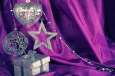 Silver juldekoration och gåva — Stockfoto