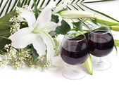 şarap ve çiçekler — Stok fotoğraf