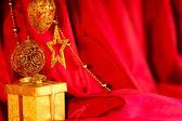 Altın christmas dekorasyon ve hediye — Stok fotoğraf