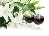 Wine and flowers — Stock fotografie
