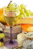 Queso, vino y frutas — Foto de Stock
