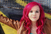 Smiling girl with pink hair — Foto de Stock