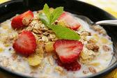 Spannmål med jordgubbe — Stockfoto