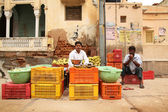 Vegetable salesman in India — Stock Photo