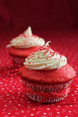 Two red velvet cupcake — Stock Photo