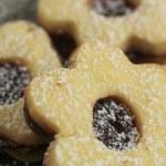 Flowers cookies — Stock Photo #23370704