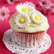 Cupcake with flowers — Photo