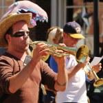 Musicians at cinqo de mayo parade — Stock Photo