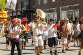 Musicians at cinqo de mayo parade — Stock Photo