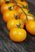 желтые помидоры черри — Стоковое фото