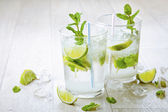 Two fresh mojitos cocktail — Stock Photo