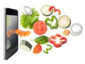 Tabletki i warzywa na białym tle. przepisy stosowania koncepcji. — Zdjęcie stockowe