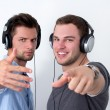 Two friends listening to music — Foto Stock