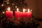 Christmas advent wreath with burning candles — Стоковое фото