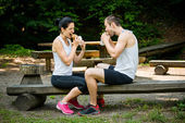 Eating together -  couple after jogging — Stock Photo