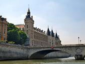 到古老而美丽的巴黎城市旅游 — 图库照片