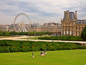The Louvre Museum and labyrinth in Paris city — Stock Photo