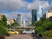 Evropská města život. mrakodrapy ve městě paříž — Stock fotografie
