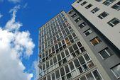 Edificio con estilo de vida. inmobiliaria. casa nueva. — Foto de Stock