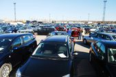 Market of second hand used cars in Kaunas city — Foto Stock