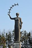 Vilnius city sculpture with birds in hand — Foto Stock
