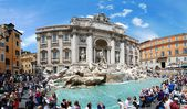 Fountain di Trevi - most famous Rome's place — Stok fotoğraf