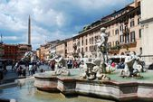 Sculptures in Rome city Navona place on May 29, 2014 — Zdjęcie stockowe