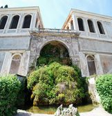 Fountain on the Palatino hill in Rome city — Stock Photo