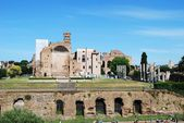 Ruins of the old and beautiful city Rome — Stockfoto