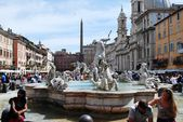 Sculptures in Rome city Navona place on May 29, 2014 — Stockfoto