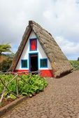 Reconstitution of a thatched roof house, typical of Madeira — Stock Photo