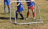 Mladí soccerl hráči, brankáři — Stock fotografie