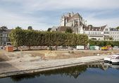 Works, arrangement quays of the Yonne river to Auxerre (Burgundy, France) — Stock Photo