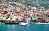 Makarska old city center and harbor — Stock Photo