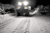 Tractor clearing snow — Stockfoto