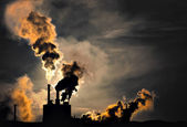 Polluting factory — Foto Stock