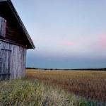 Barn in rural landscape — Stock Photo #30933743