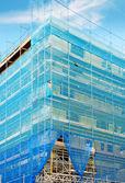 Construcción con andamios — Foto de Stock