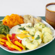 Foto Stock: Fried eggs,vegetable and sour milk as vegetaridinner meal