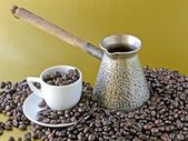 Coffee drink and beans — Stock Photo